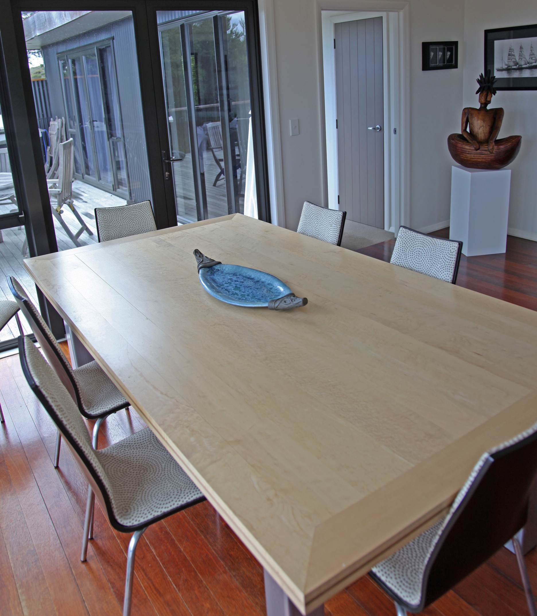 NZ Dining table